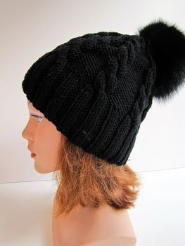 bobble cap black fox