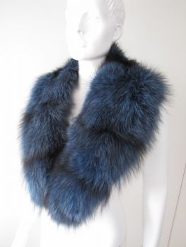 Fur collar from real fox in blue