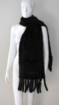 Mink scarf knitted black