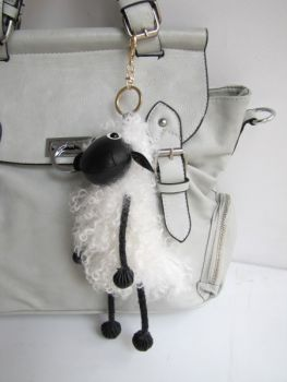 Bag pendant Shaun the sheep