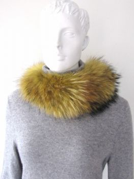 Raccoon fur collar yellow