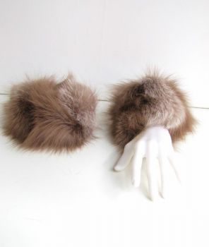 Fox fur cuffs in taupe beige withe