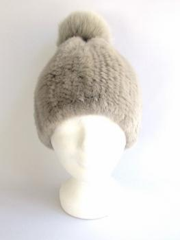 Mink cap with fox fur bobble sand