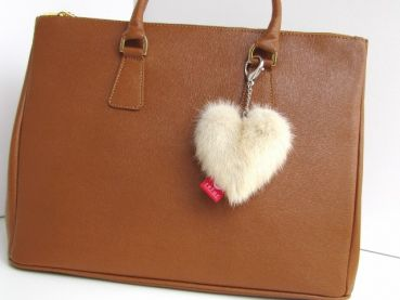 Mink heart keyfinder made of real mink cream