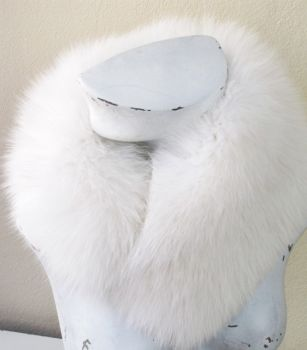 Fur, collar, vario , white