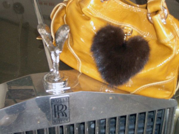 Heart mink dark brown