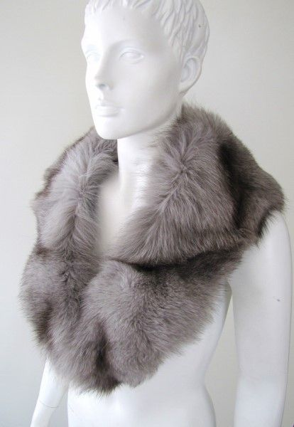 collar ,fox ,grey